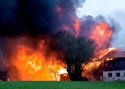 Ein Bauernhof explodiert